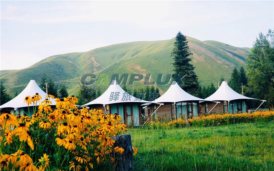 新疆伊犁汽车自驾游营地270°野奢帐篷营地
