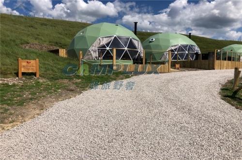英国马其顿度假景区星空球形帐篷营地